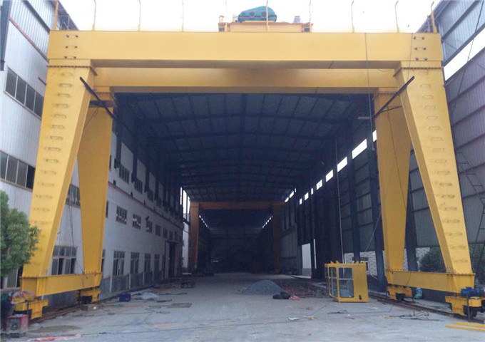 Give gantry crane 60 ton in China
